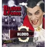 Sang liquide avec dentier vampire